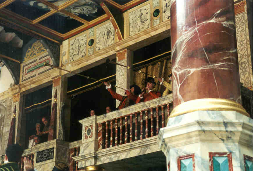 research paper old globe theatre Read facts about shakespeare's globe theatre, linked with shakespeare through 400 years and three buildings the globe theatre fact 1: built in 1599 in southwark on the south bank of london's river thames by richard burbage.